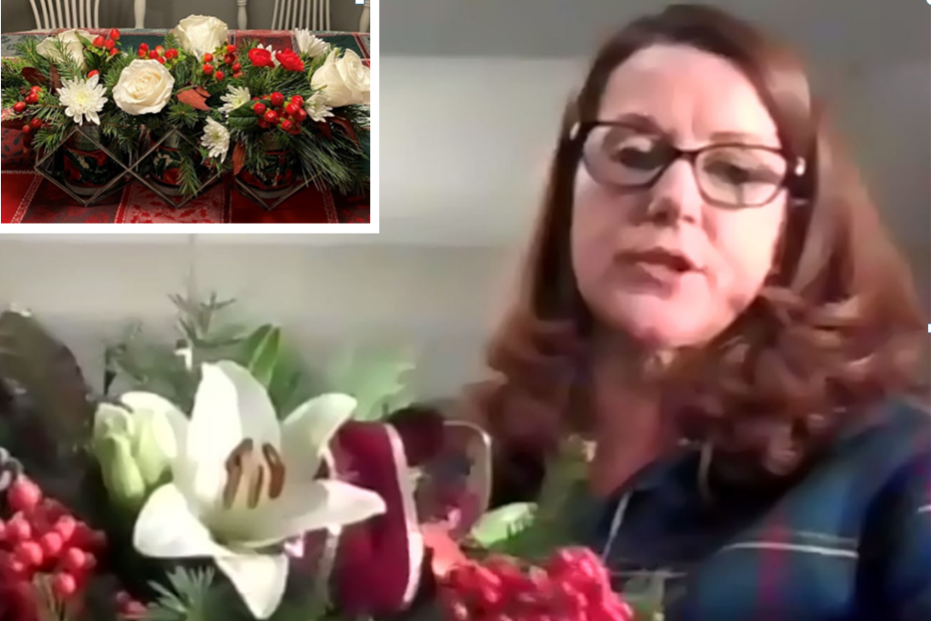 Holiday arrangements with Holly